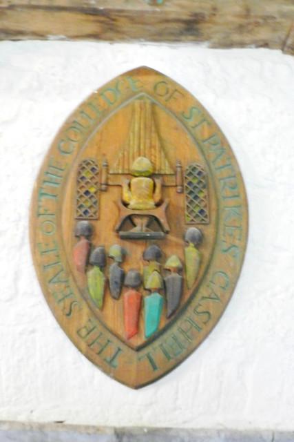 escudo coral interior sala del Coro de los Vicarios Castillo Roca o Rock of Cashel Republica de Irlanda