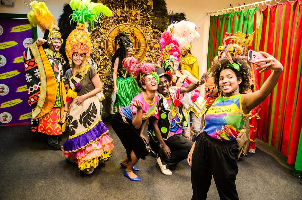 Visita Guiada no barracão da Grande Rio na Cidade do Samba - Carnaval Experience
