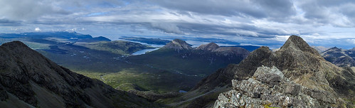 金, 2019-07-19 18:20 - Panoramic view of Sligachan from Am Basteir