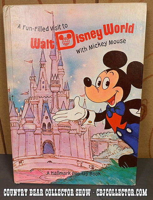 1972 Hallmark Walt Disney World Pop-up Book - Country Bear Collector Show #215