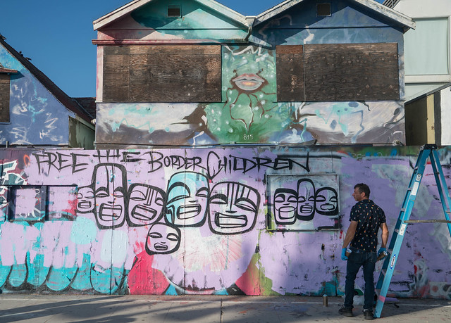 FREE THE BORDER CHILDREN mural - Venice Beach, California