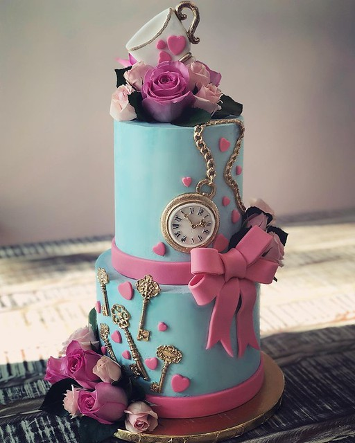 Alice in Wonderland Cake from Cakes by Gene