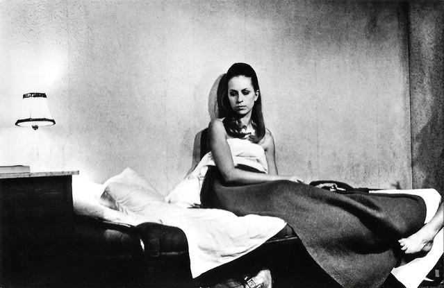Marijke Boonstra in Bezeten - Het gat in de muur (1969)