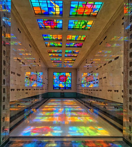 ilovela socal reflecting colorful vintage historic stainedglass california altadena mausoleum cemetery mountainview