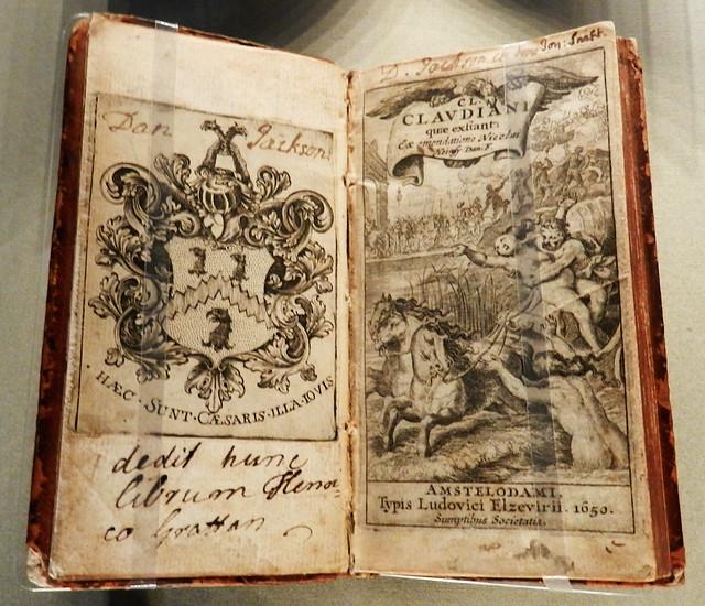 manuscrito libro antiguo exposicion en Gran Sala Biblioteca de Trinity College Dublin Republica de Irlanda 04