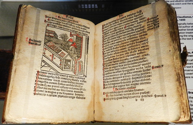 manuscrito libro antiguo exposicion en Gran Sala Biblioteca de Trinity College Dublin Republica de Irlanda 03