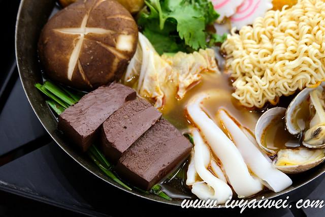 Eight Pot Taiwan Steamboat (14)