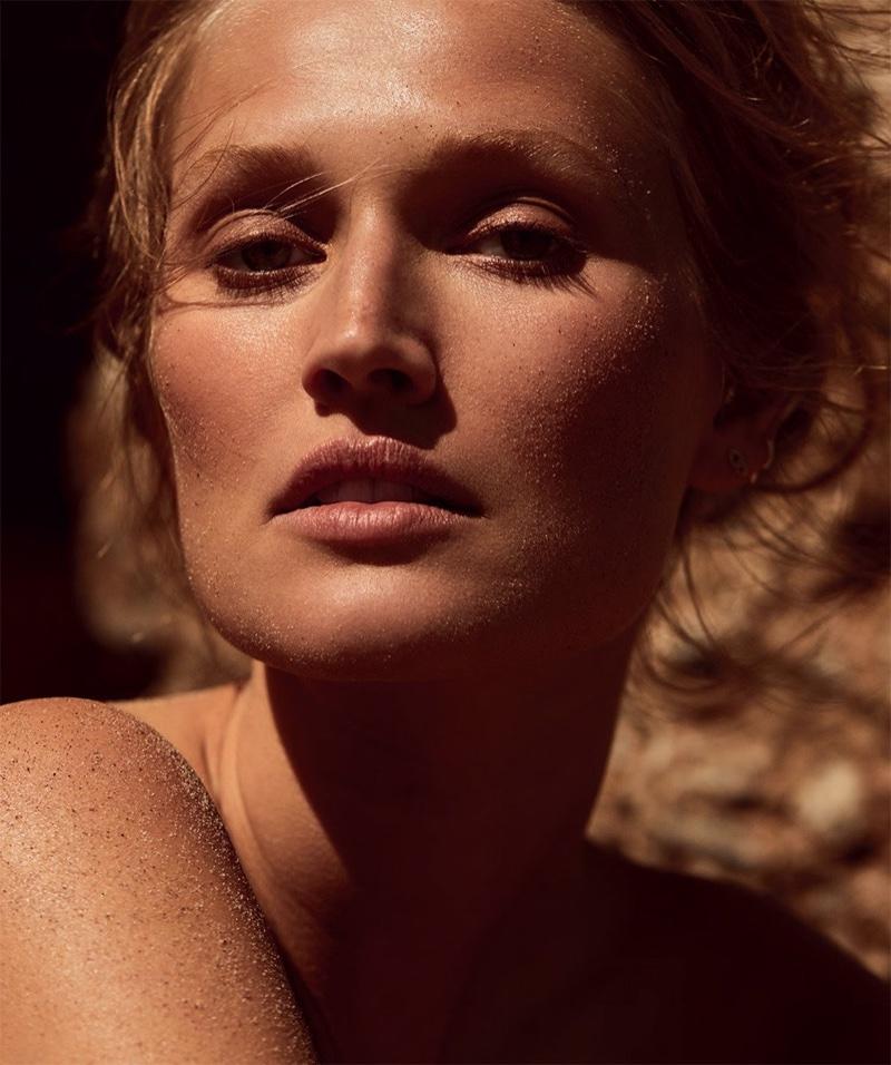 Toni-Garrn-Harpers-Bazaar-Cover-Photoshoot11