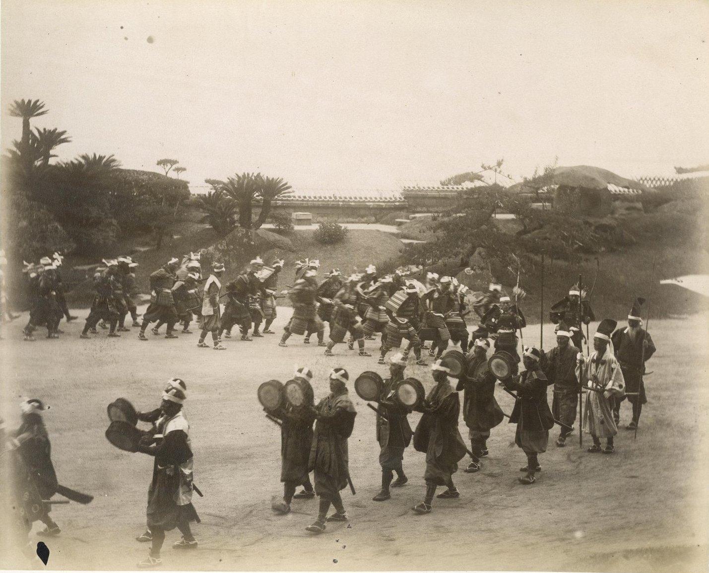 08. 1891. Кагосима. Торжественный парад самураев во время визита цесаревича Николая Александровича