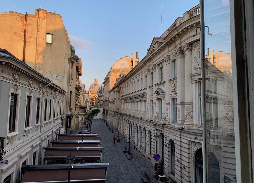 EXPERIENCE ROMANIA 8 Бухарест Румыния Пять отличных способов познакомиться с Бухарестом, Румыния 48364150031 a02aee673b b