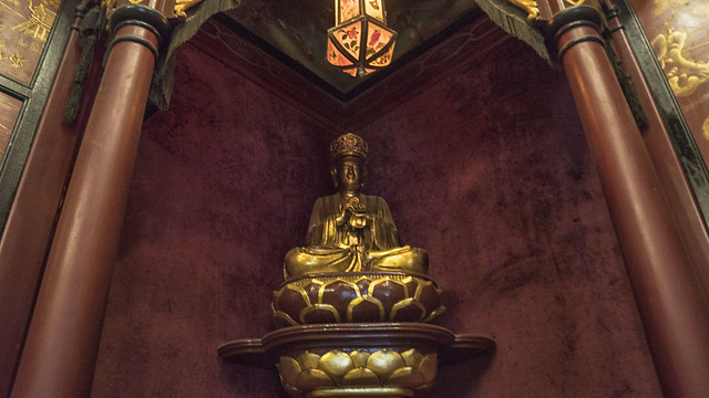 Buddha statue in Aisha Fahmy's palace