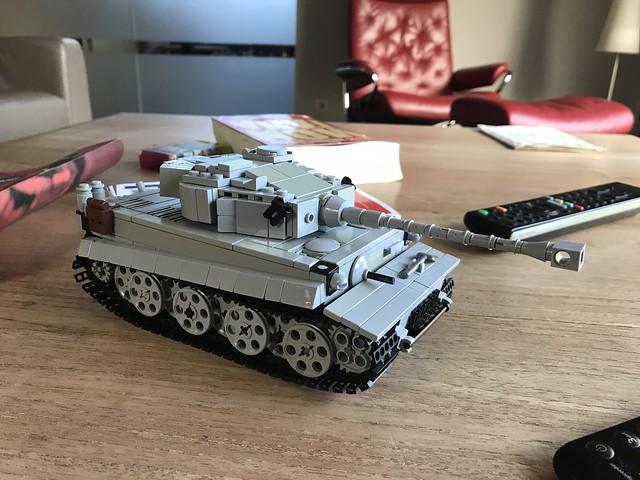 Lego tiger 1