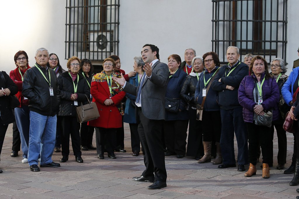 Dirigentes sociales de La Granja visitan La Moneda