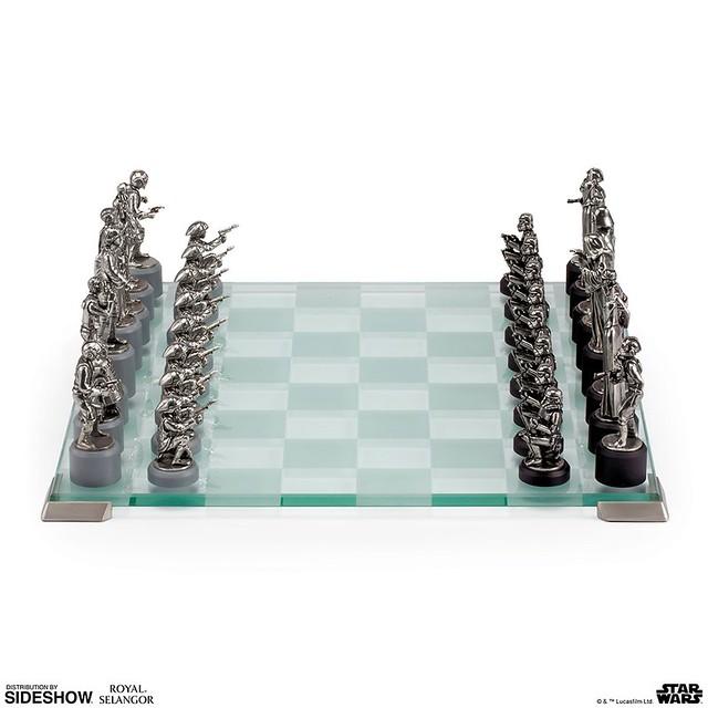 光明與黑暗的史詩對決,桌上展開!! Royal Selangor《星際大戰》星際大戰經典西洋棋組 Star Wars Classic Chess Set