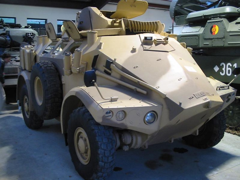 Panhard M3 VTT with TL-2i turret 1