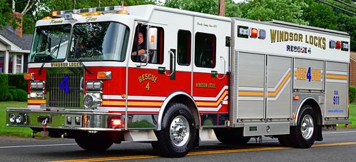 fire truck ct parade windsor locks spartan rescue saulsbury