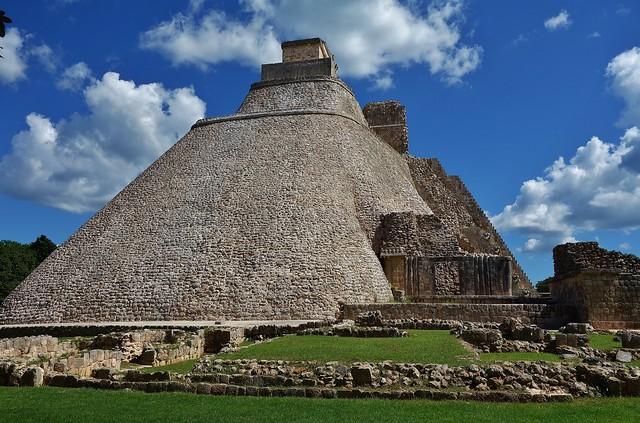 MEXIKO,Yucatán , Uxmal- ehem. Mayastadt , Hauptpyramide,  19124/11785
