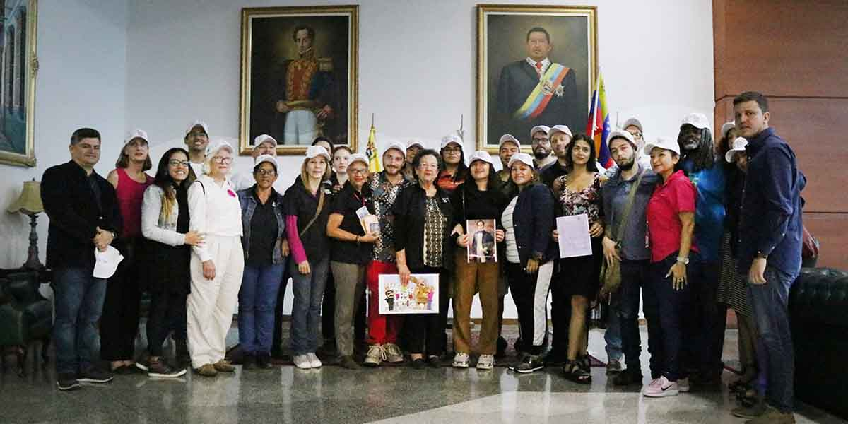 Recepción del Colectivo de la embajada
