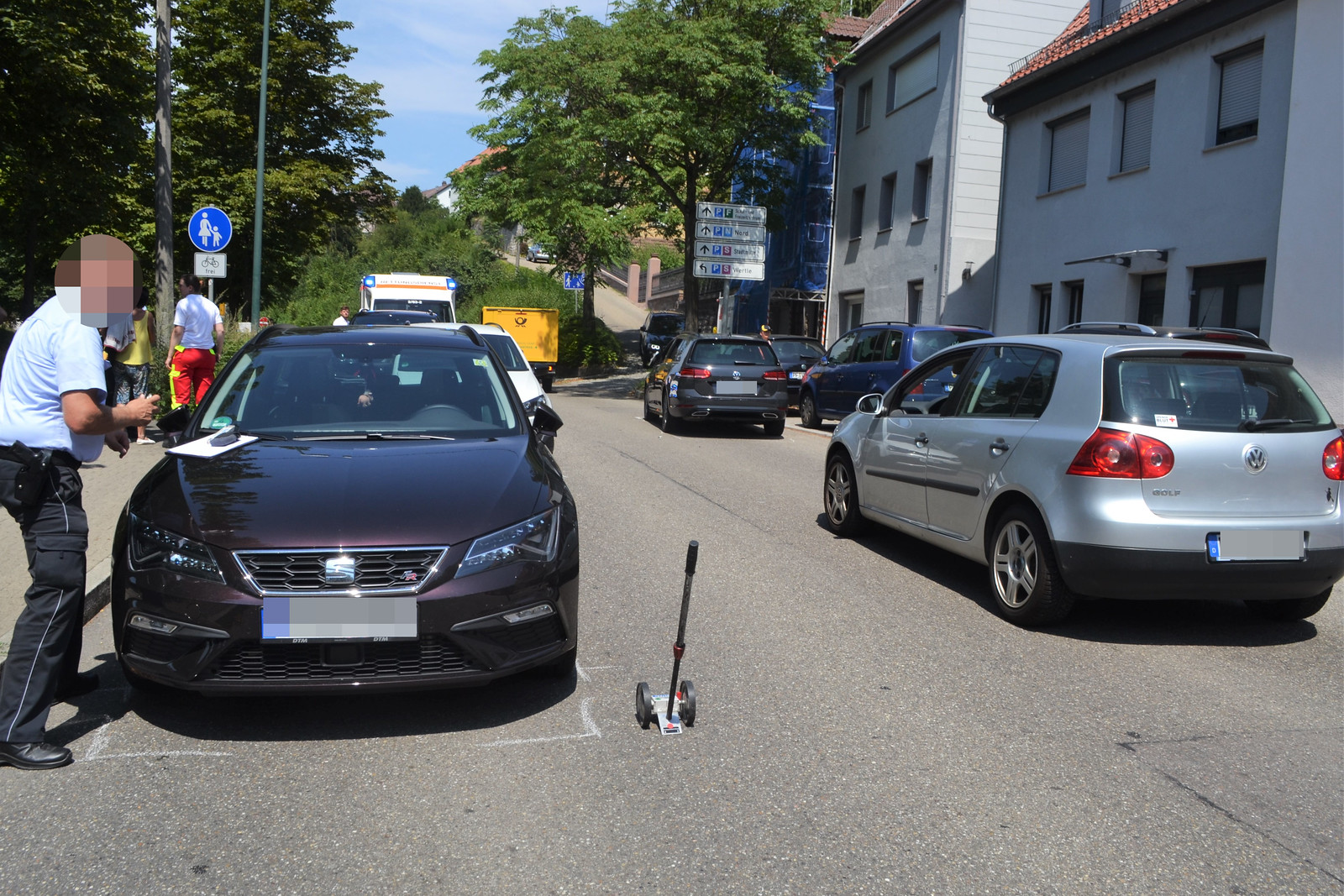 Mühlacker: Unfall mit 5 Fahrzeugen auf der Enzstraße - 25.07.20198