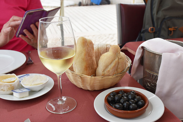 Cheese, bread, and olive couvert, Sesimbra, Portugal