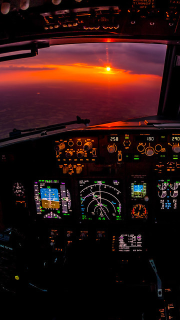 Phone Wallpaper - Sunset approach LGW 1