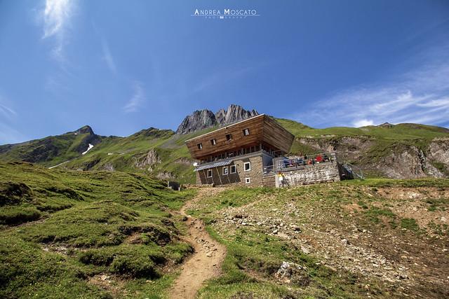 Capanna Corno Gries - Alta Val Formazza e Canton Ticino (Italy - Switzerland)