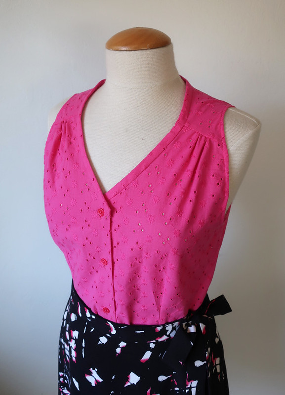 Eyelet top pink on form