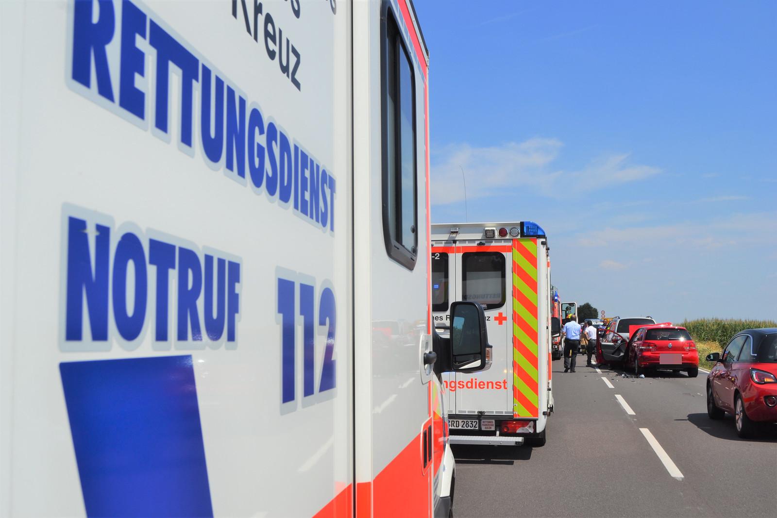 Mühlacker: Auffahrunfall auf der B10 zw. Mühlacker und Illingen - 25.07.2019