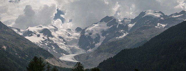 La pointe Bernina, entre Davos et Saint Moritz (Suisse)...  Bernina Point, between Davos and St. Moritz (Switzerland) ...