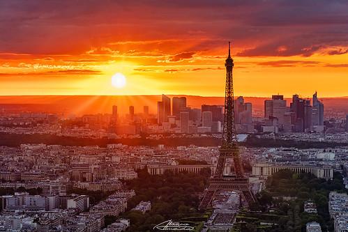 montparnasse paris france sony18135 sony torreeiffel eiffeltower eiffel sunset redsky cityscape