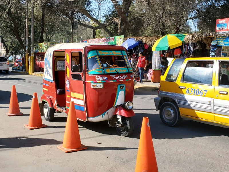 Huacachina taxis