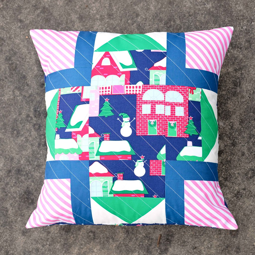 Home for the Holidays Pillows - Kitchen Table Quilting
