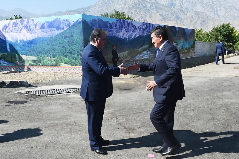 Встреча Президента Республики Таджикистан Эмомали Рахмона с Президентом Кыргызской Республики Сооронбаем Жээнбековым
