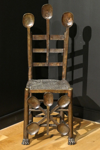 exhibit - spoon chair