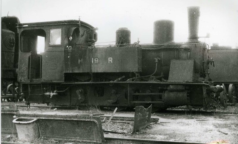 HR-Krauss-0-6-0T-No-19-being-repaired-Haifa-1945-hri-1