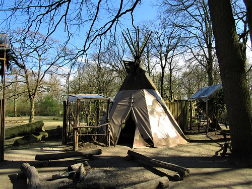 Planckendael Zoo in Mechelen