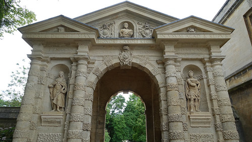 2019.02333 Entrance Archway to the Botanic Gardens, by Magdalen Bridge, Oxford