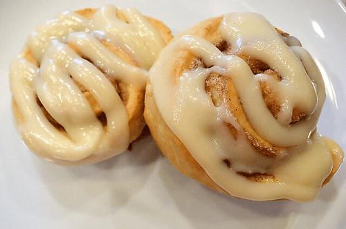 Biscuit-Cinnamon-Rolls-11-1