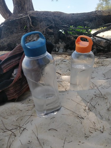 Our reusable bottles on the beach. A sight no one minds.