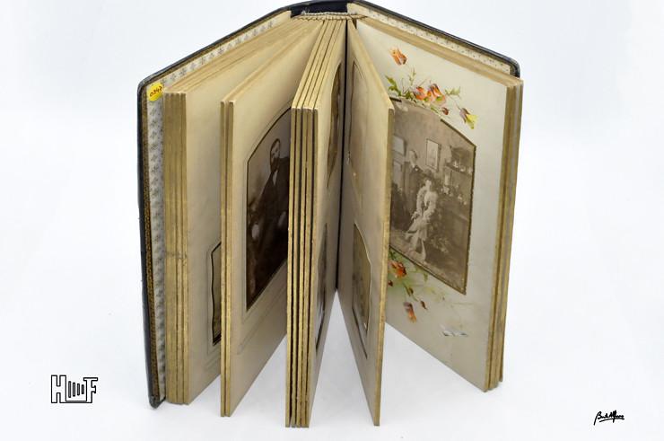 _DSC9133 Álbum em couro com 17 CDV's e 17 Cabinets
