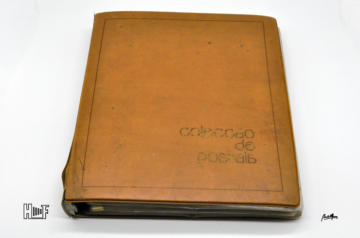 _DSC9151 Álbum em capa de argolas com 655 fotografias e mini-postais a preto e branco