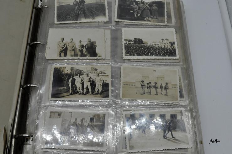 _DSC9152 Álbum em capa de argolas com 655 fotografias e mini-postais a preto e branco