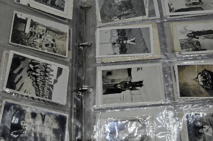 _DSC9154 Álbum em capa de argolas com 655 fotografias e mini-postais a preto e branco