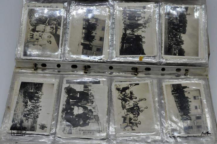 _DSC9160 Álbum em capa de argolas com 655 fotografias e mini-postais a preto e branco
