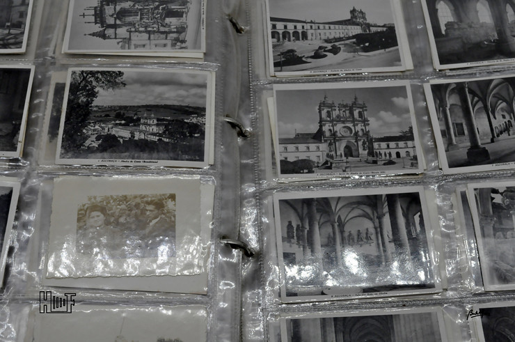 _DSC9164 Álbum em capa de argolas com 655 fotografias e mini-postais a preto e branco