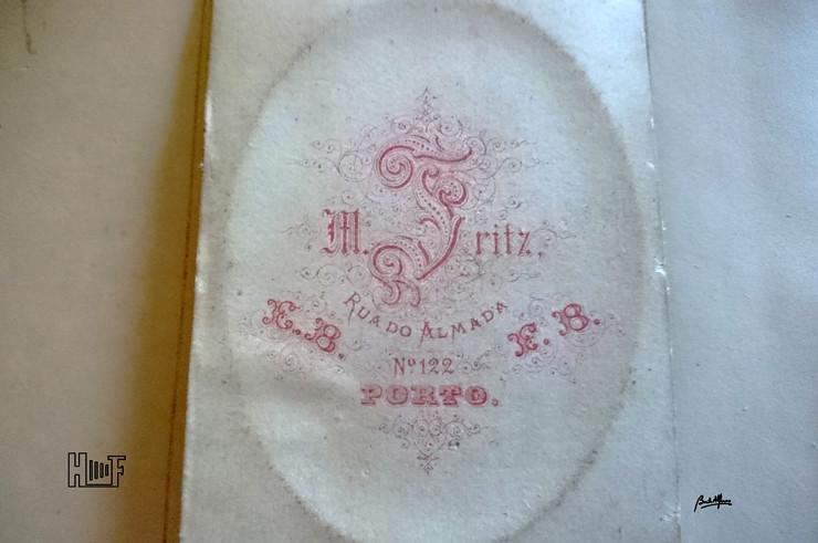 DSC_0236 Álbum em tecido com aplicações em metal - 42 CDV's, 6 Cabinets e 10 fotografias