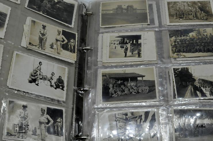 _DSC9153 Álbum em capa de argolas com 655 fotografias e mini-postais a preto e branco