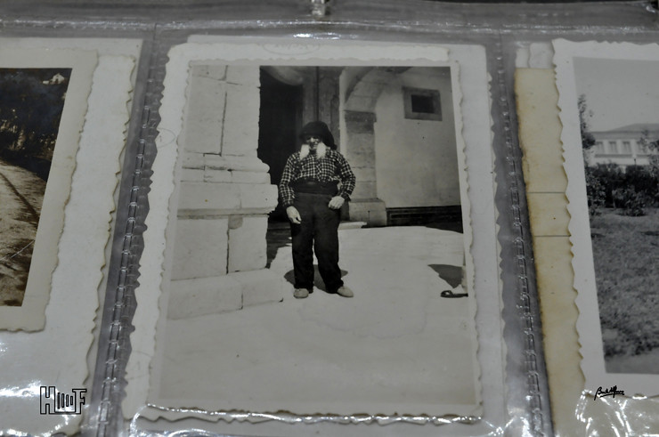 _DSC9156 Álbum em capa de argolas com 655 fotografias e mini-postais a preto e branco