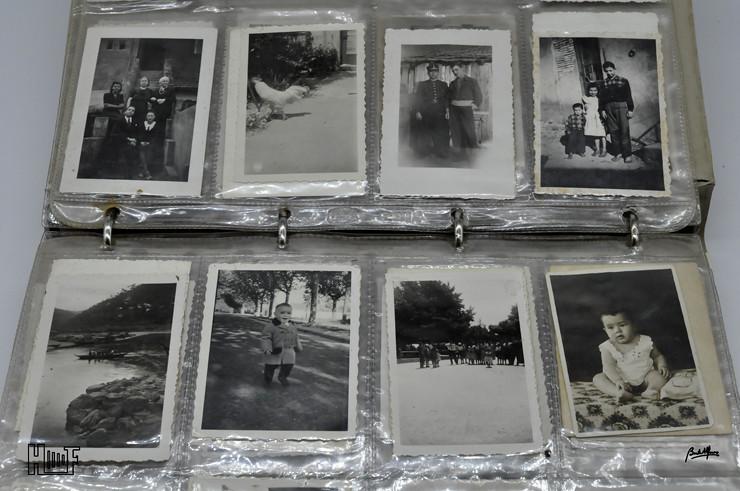 _DSC9158 Álbum em capa de argolas com 655 fotografias e mini-postais a preto e branco