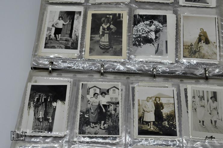 _DSC9159 Álbum em capa de argolas com 655 fotografias e mini-postais a preto e branco